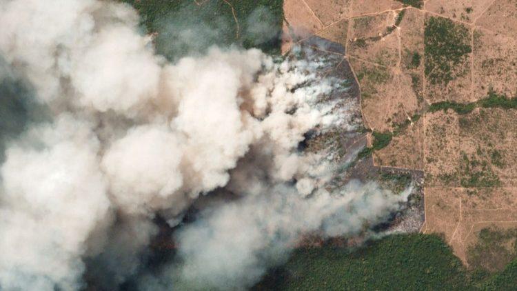 F/Imagens de terça-feira (20) da Planet Labs, empresa americana que mantém mais de cem satélites em órbita